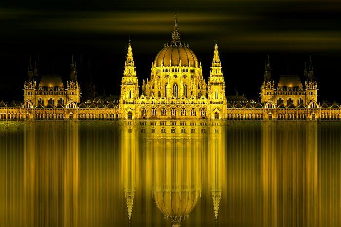 Budapeszt, Eger i zakole Dunaju